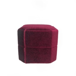 red maroon ring box